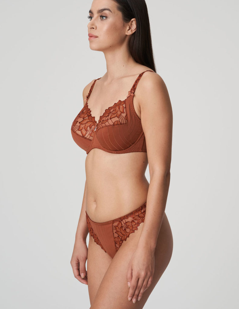 Woman wearing Prima Donna Deauville in Cinnamon Red G-String with matching bra