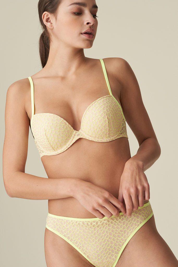 Lady wear limone full cup bra