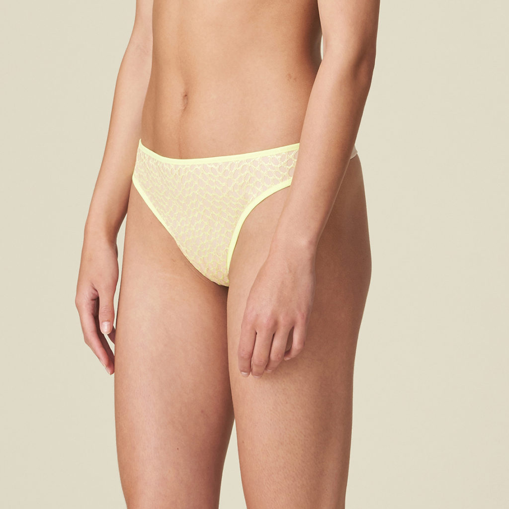 Lady wearing limone g/string or thong