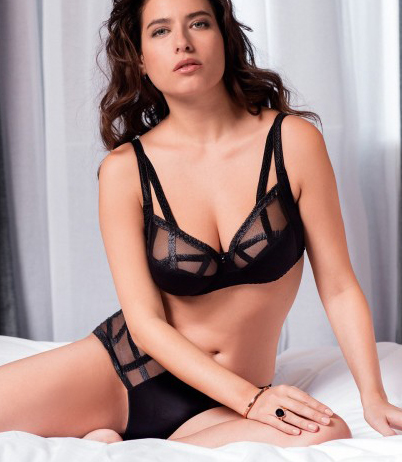 Woman wearing Louisa Bracq Série Full Cup Bra in Black with matching brief